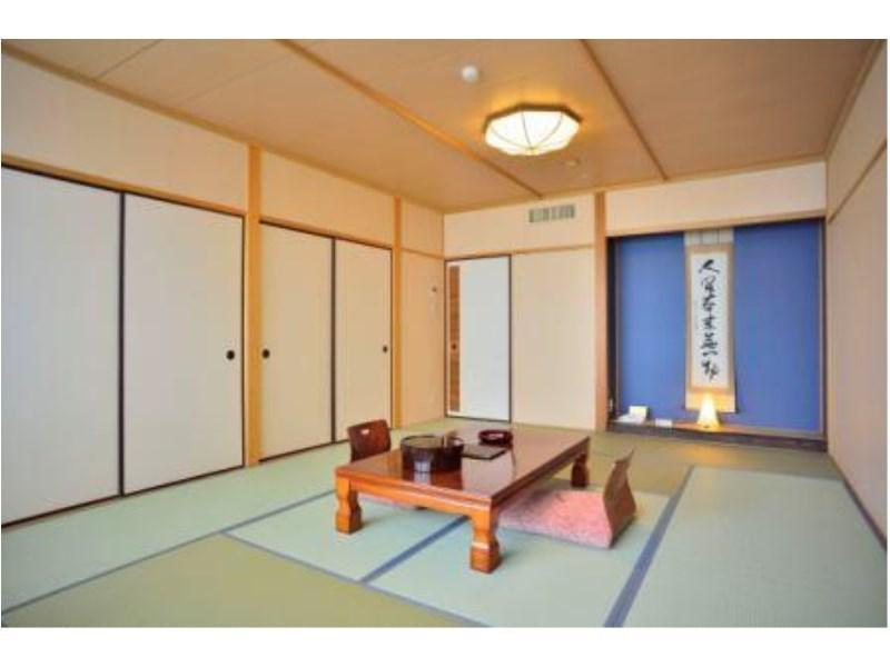 □本館□湖側バス・トイレ付和室10畳【禁煙】|10畳 (Japanese-style Room (Main Building) *Has bath and toilet in room)