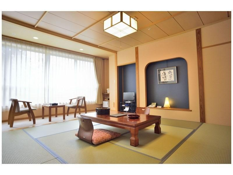 本館 和式房※有廁所浴室 (Japanese-style Room (Main Building) *Has bath and toilet in room)