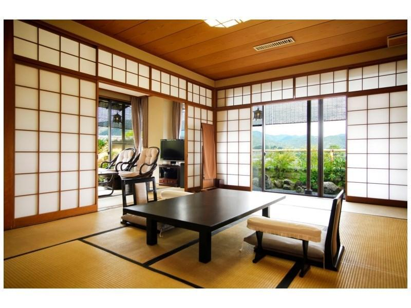 和室|12畳+次の間4畳+踏込1.5畳 (Japanese-style Room with Open-air Bath (Hekisenkaku Wing))