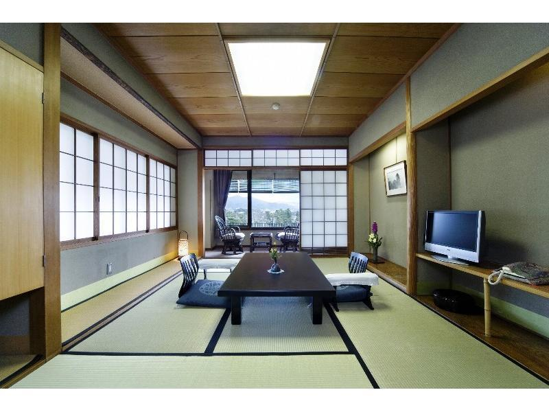 秀山閣和室(8畳)|8畳+踏込 (Japanese-style Room(*Non-smoking from 2020/10/1))