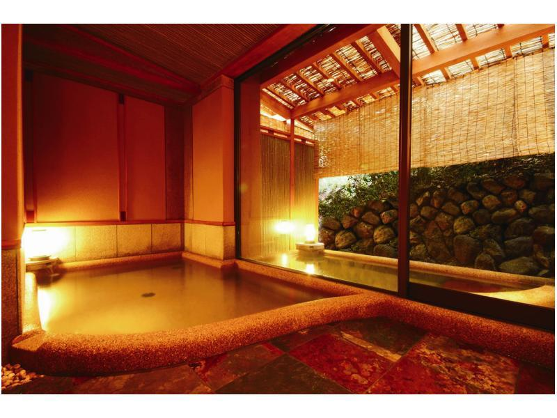 獨立特別房+床+溫泉露天風呂 (Detached Special Room with Open-air Hot Spring Bath and Bed(s))