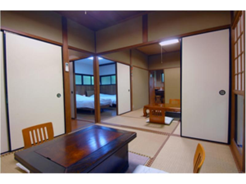 Japanese/Western-style Room *The river may not be visible depending on the season