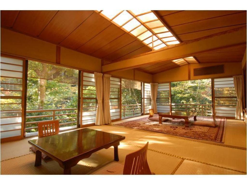 Japanese-style Room with Open-air Bath *The river may not be completely visible depending on the season - Guestroom
