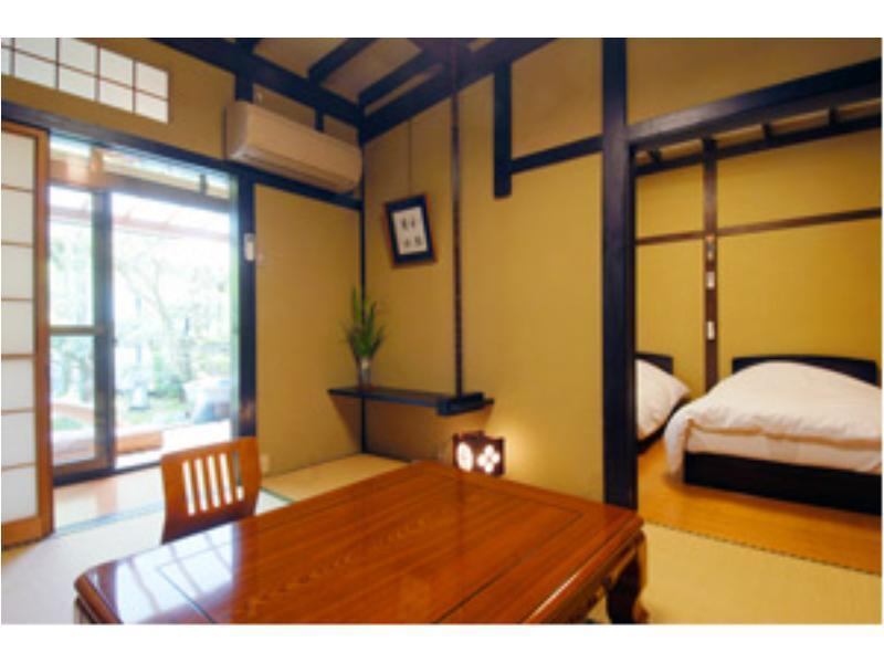 다다미 침대 객실(노천탕) (Japanese/Western-style Room with Open-air Bath)