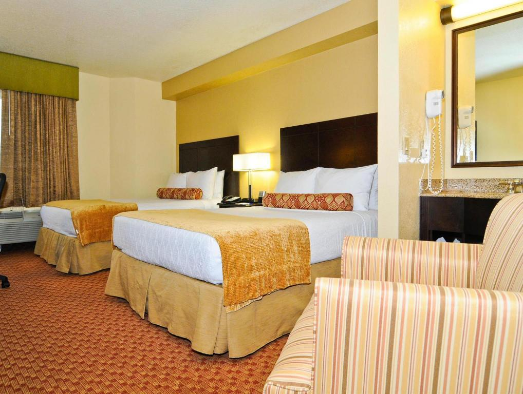 2 Double Beds, Non-Smoking - Guestroom Best Western Orlando Convention Center Hotel