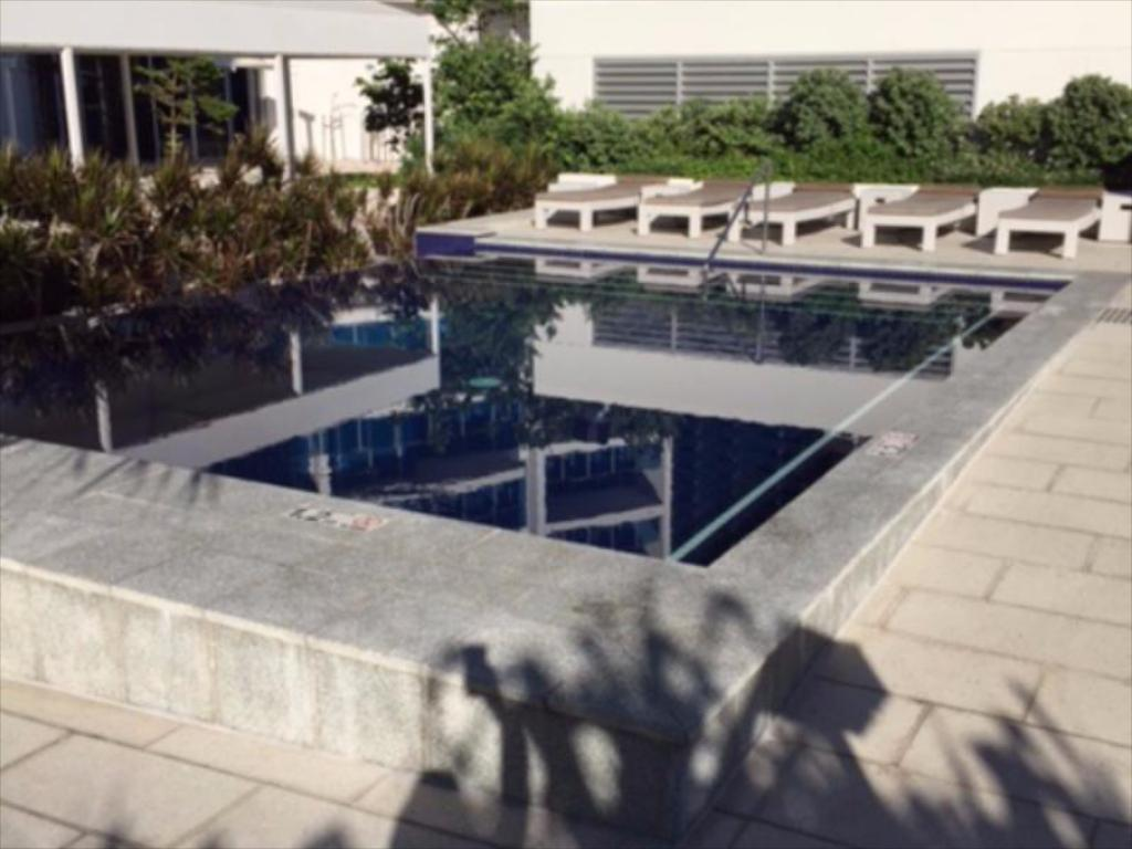 Swimming pool Gold Coast Private Apartments