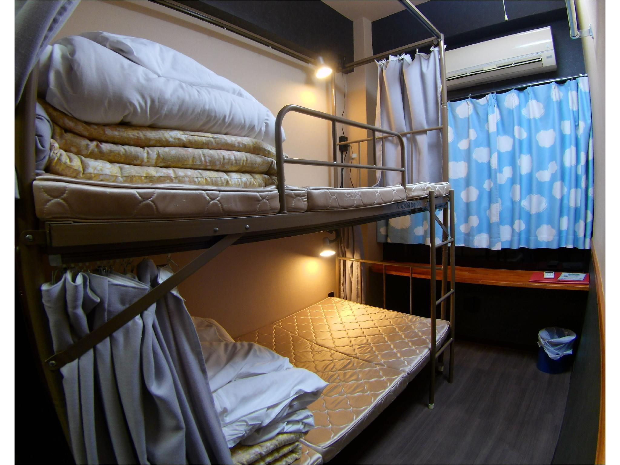 뱅크 트윈룸 (Twin Room (Bunk Beds))