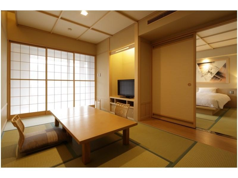 New Japanese/Western-style Room (Japanese-style Room & Twin Room)
