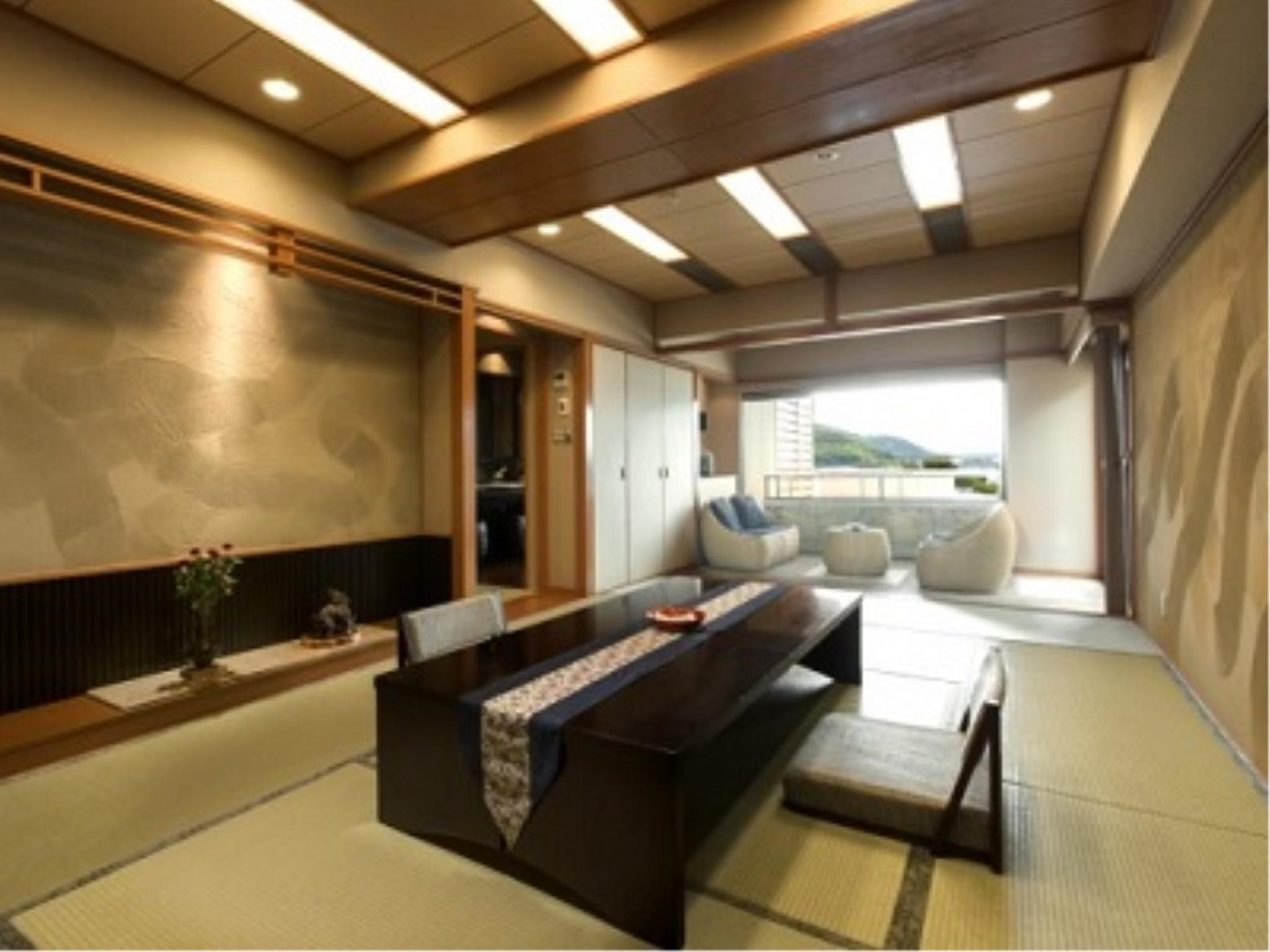 和式房+客厅+露天风吕+足汤 (Japanese-style Room with Living Room, Open-air Bath, and Foot Bath)