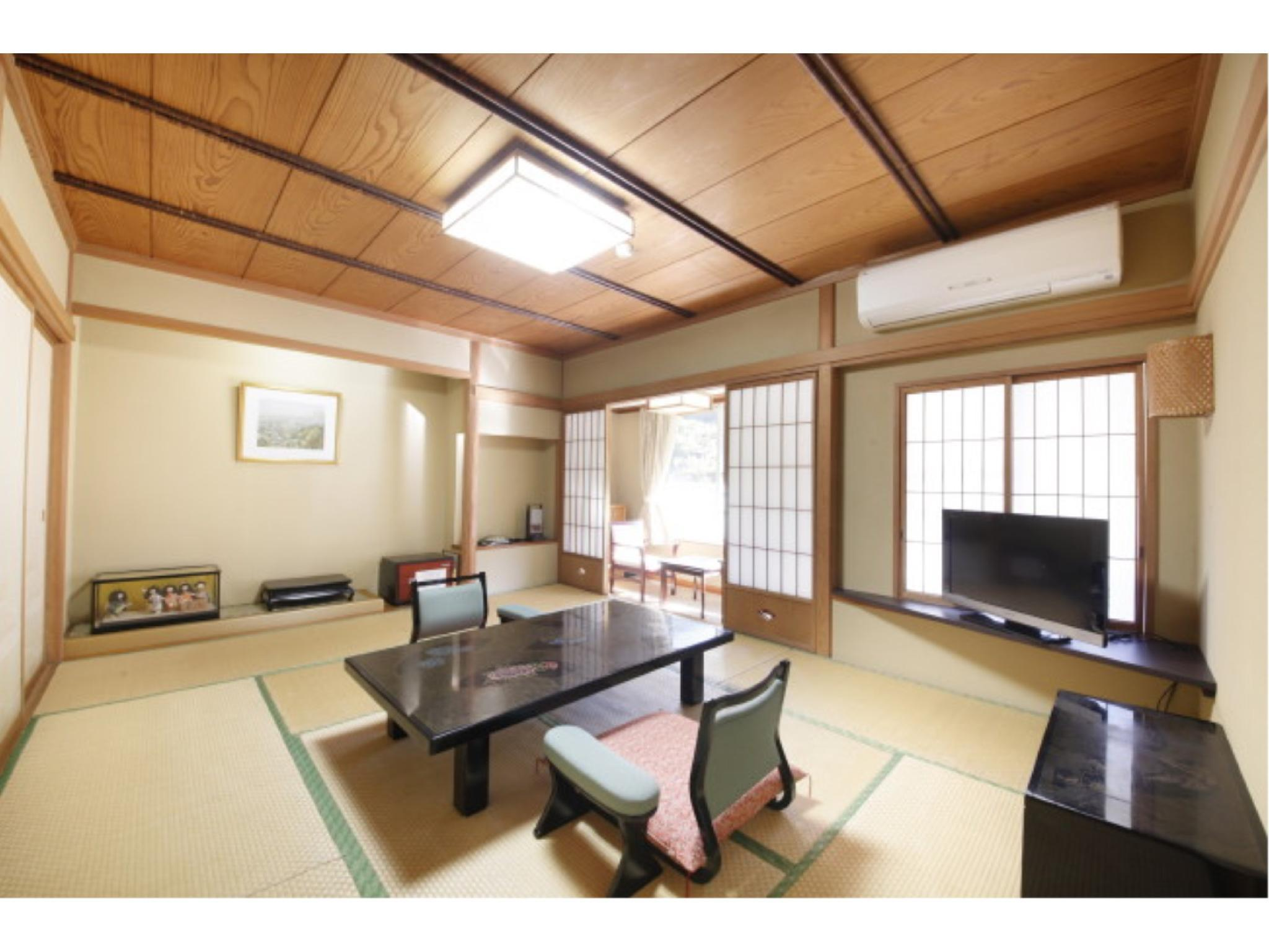 顶层 观月之间 包角特别房 (Special Corner Room (Kangetsu-no-Ma Type, Top Floor))
