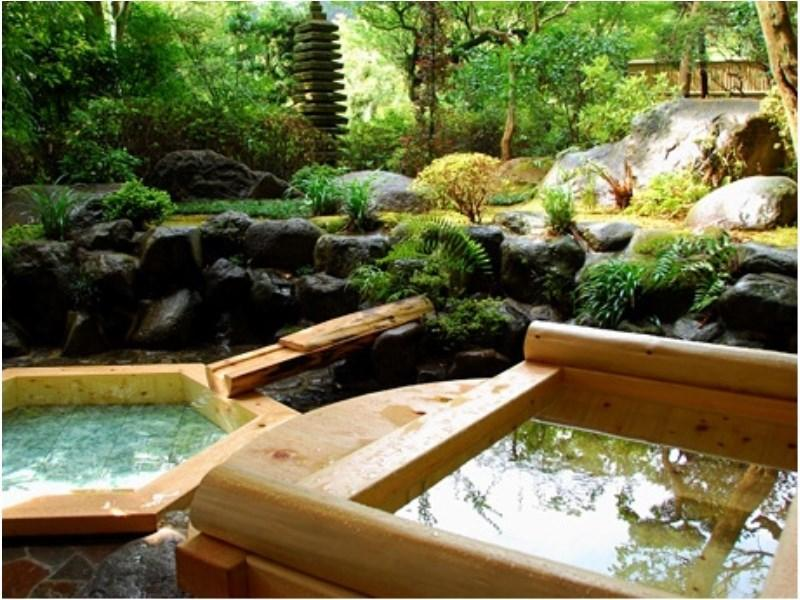 다다미 객실(특별실/노천탕) (Special Japanese-style Room with Open-air Bath)