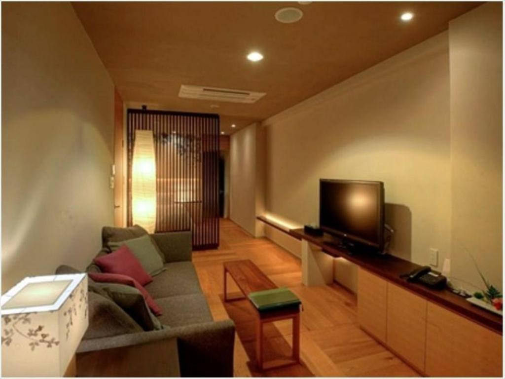 Twin Room with Hot Spring Bath - Guestroom