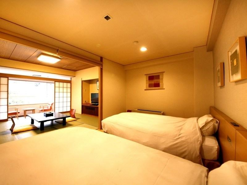 Japanese/Western-style Room (Japanese/Western-style Room with Indoor Hot Spring Bath (2 Beds))