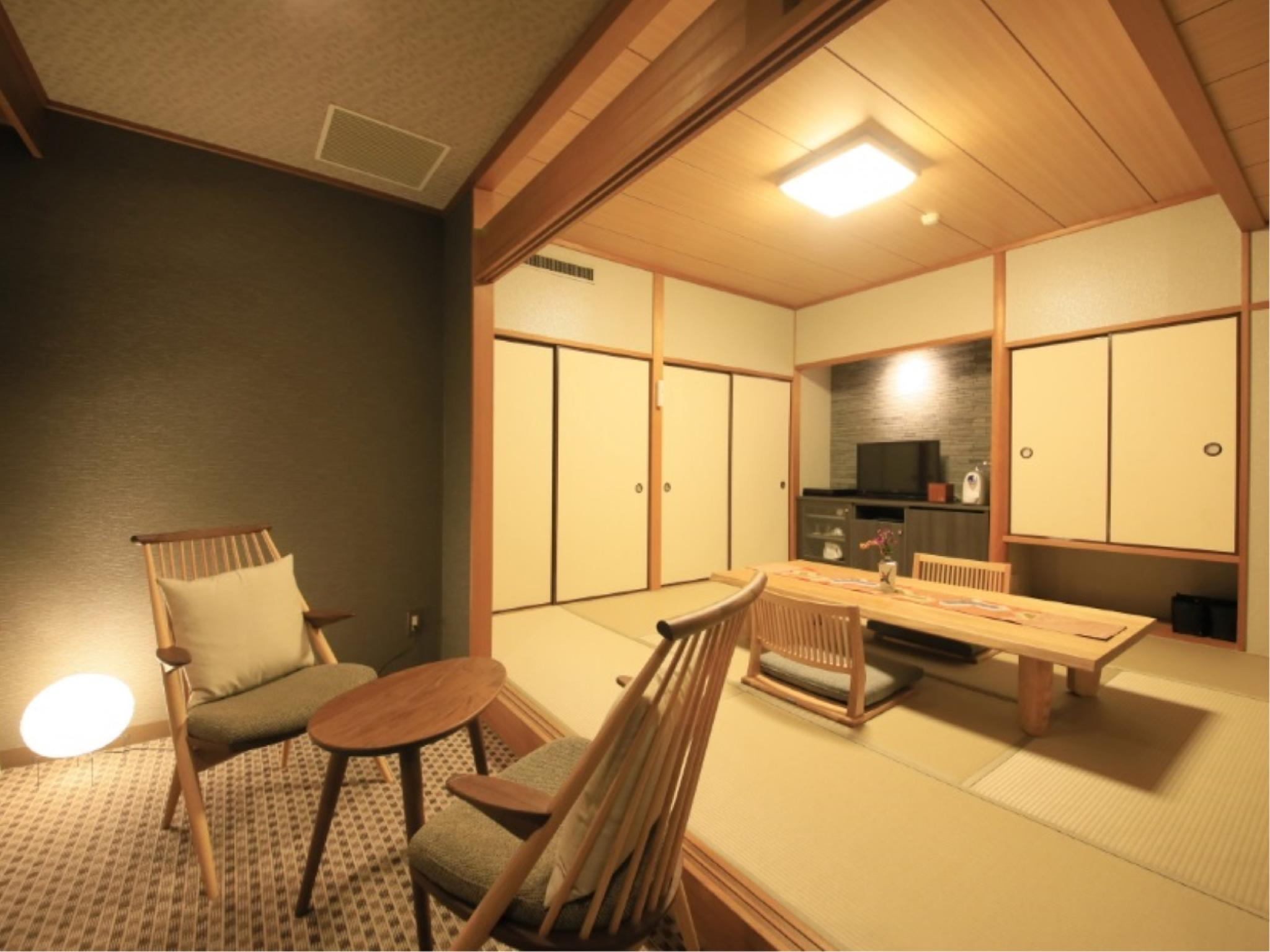 Japanese-style Room (Main Building) *Has shower