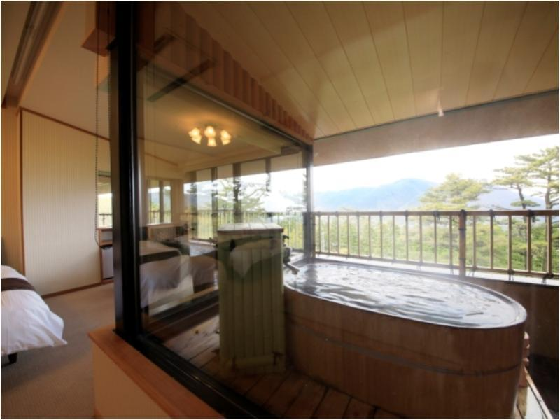 다다미 침대 객실(최고층/노천탕) (Japanese/Western-style Room with Open-air Bath (Top Floor))