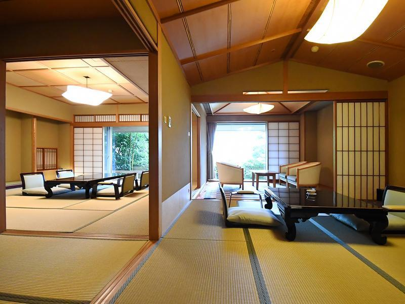 特別房(本間12.5帖+小房間8帖榻榻米)+露天風呂 (Special Japanese-style Room with Open-air Bath(12.5 tatami+8tatami))