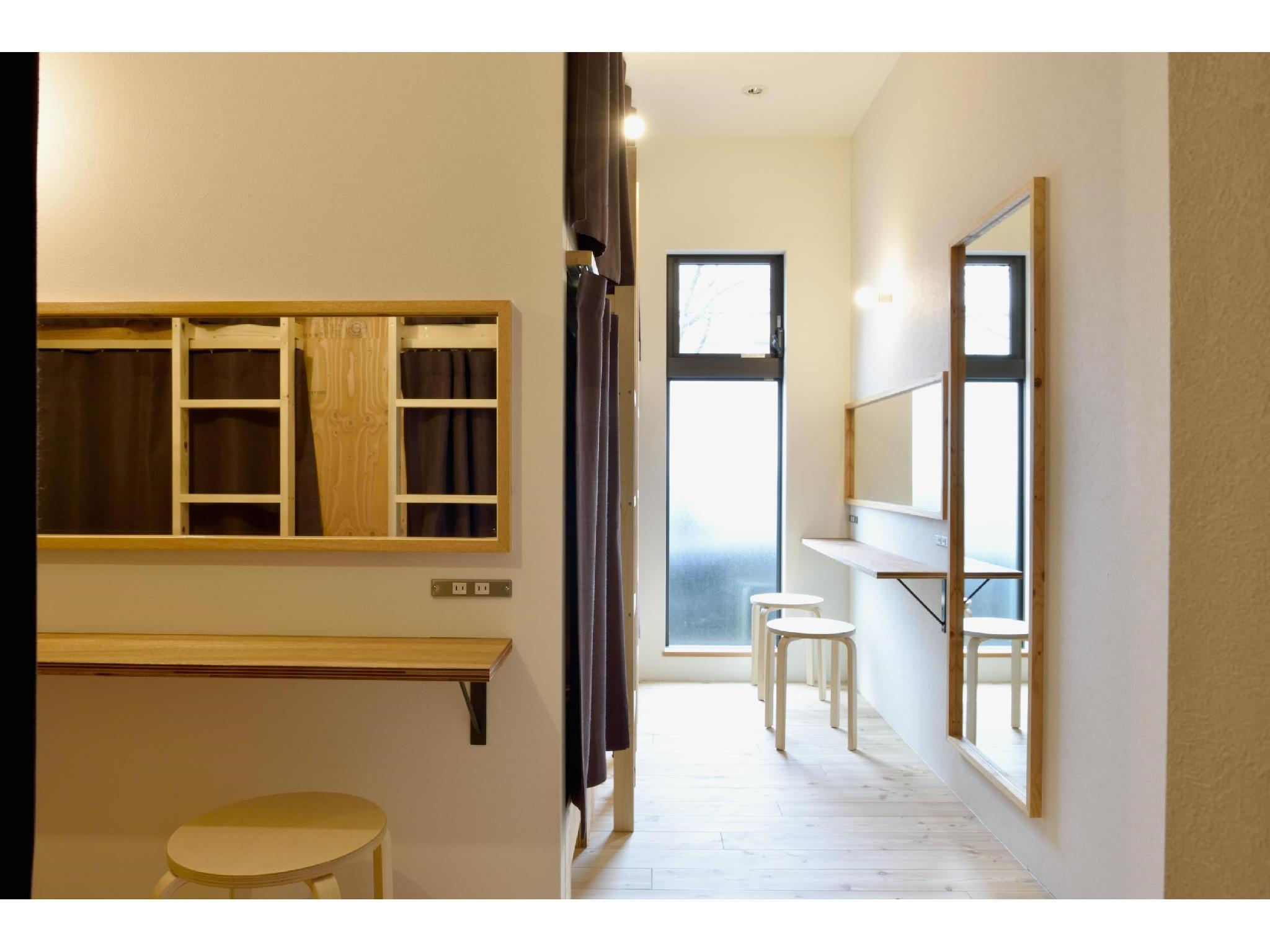Ladies' Dormitory Room (Guaranteed Bunk Bed Top & Bottom)