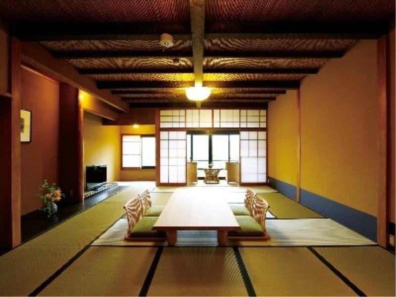 다다미 객실(실내 툇마루) (Japanese-style Room with Hiroen Space)