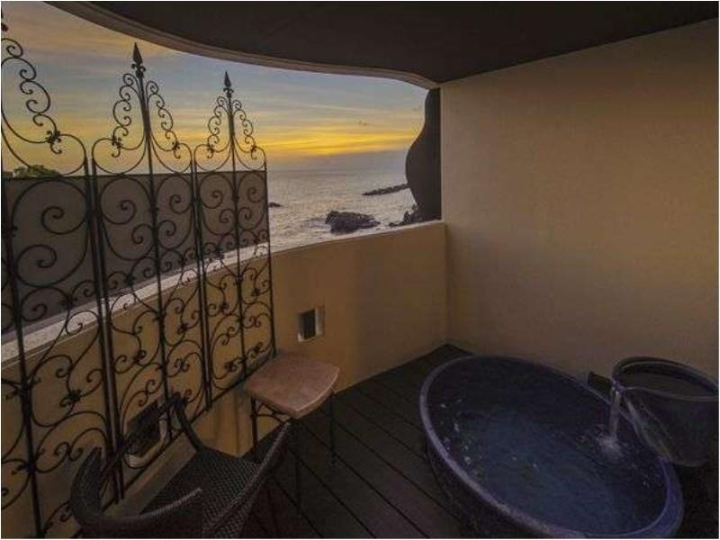 Luxury Corner Suite with Open-air Bath