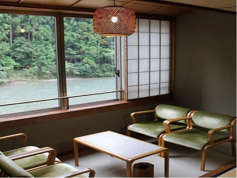 和式房 (Japanese-style Room (Stream View))