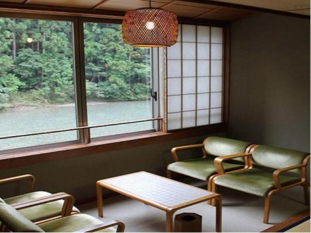 Japanese-style Room (Stream View) - Guestroom