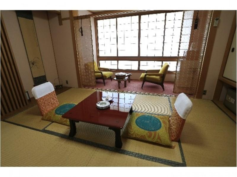 다다미 객실 (Japanese-style Room (River Side))