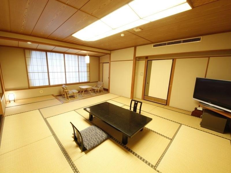 Japanese-style Room with Open-air Bath (Tozankaku Wing)