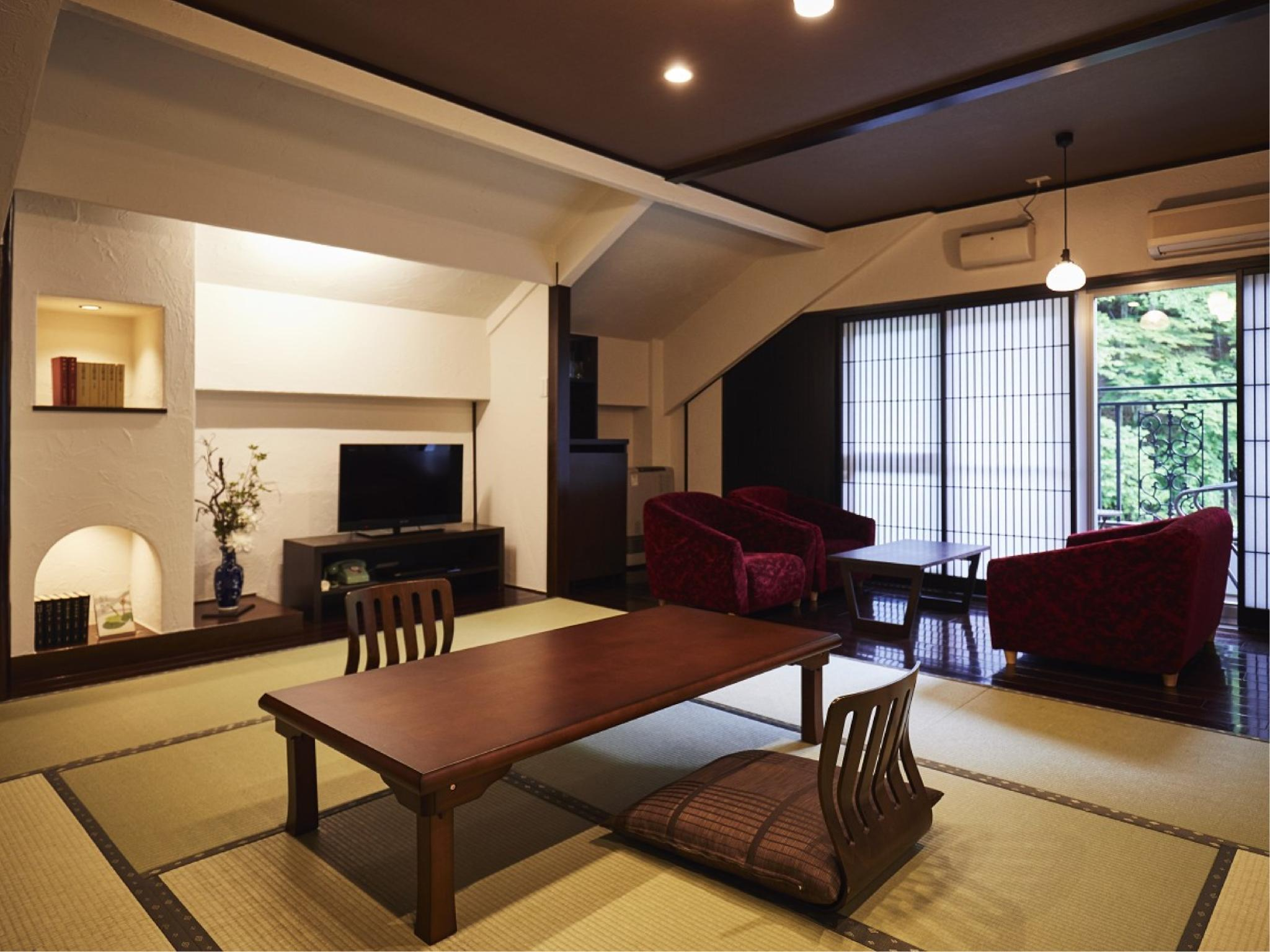 山月亭 和式房+客廳+露台 (Japanese-style Room with Living Room + Terrace (Sangetsutei Wing))