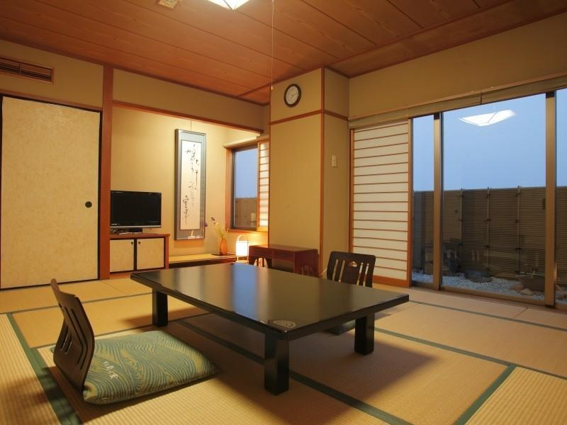 Japanese-style Room (Town Side, No Bath)