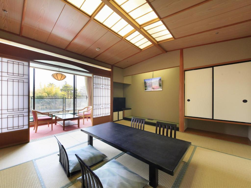 Allocated on Arrival (Japanese/Western-style Room or Twin Room) - Guestroom Kagaribi no Yu Ryokusuitei
