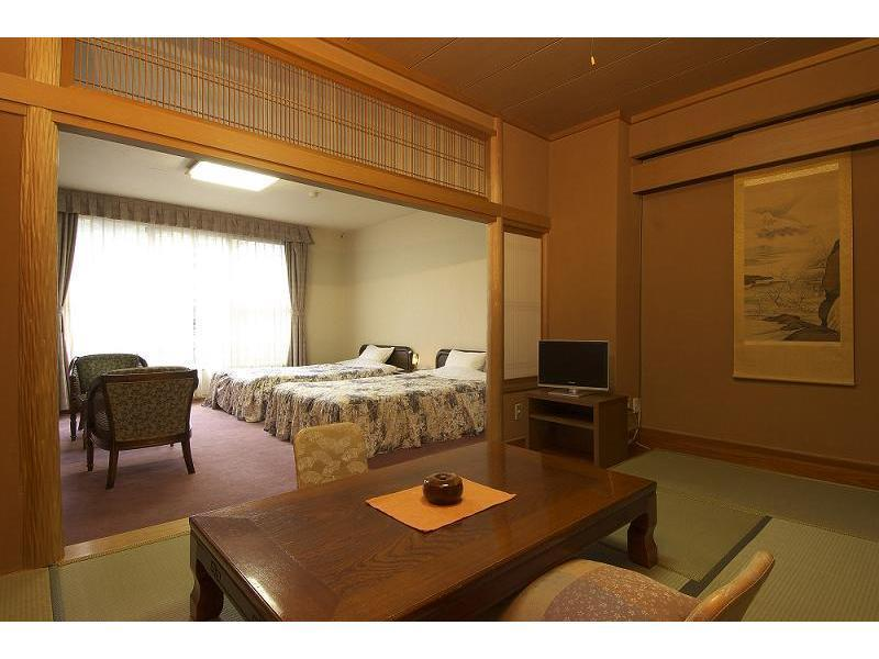 Japanese/Western-style Room (2 Double Beds)