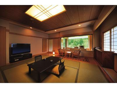 Japanese-style Room with Semi Open-air Lie-down Bath (New East Wing)