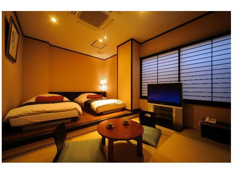 日式摩登雙人雙床房 (Modern Japanese Style Room with Twin Bed)