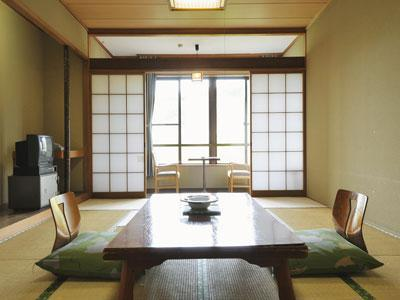 和室 (Japanese-style Room (Central Wing))