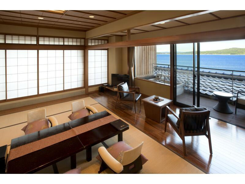 다다미 객실 (Japanese-style Room with Open-air Bath & Terrace (Notojima Terrace Club Type))