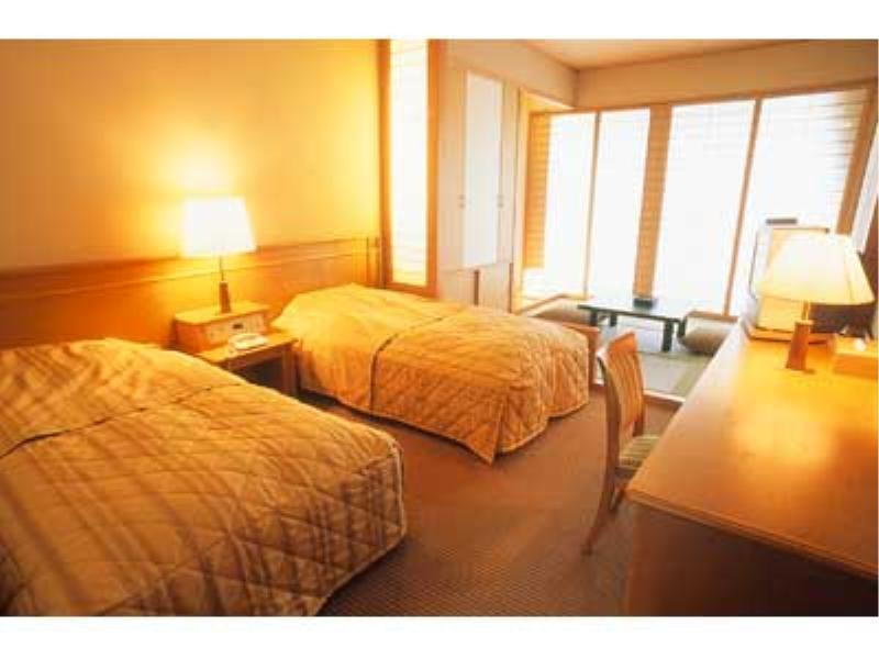 Japanese/Western-style Room (2 Beds, Chinkatei Wing)
