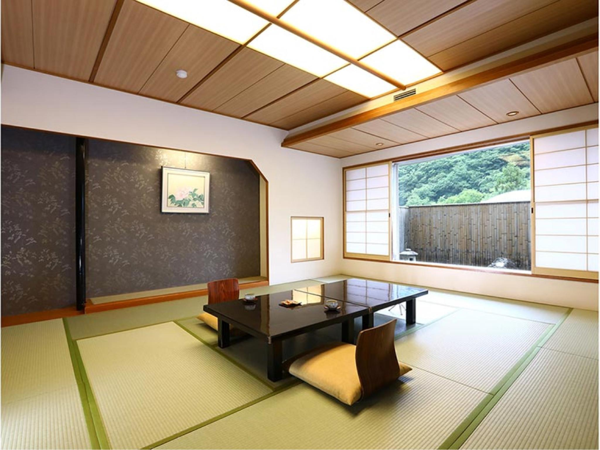本館 和室16畳|41平米 (Japanese Style Room Main Building)