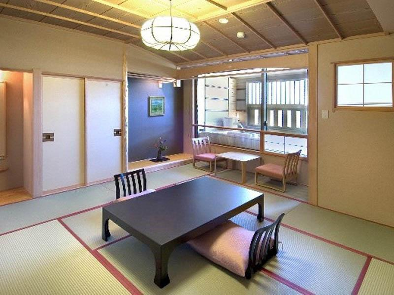 露天風呂付(和室) |10畳 (Japanese Style Room with Open-Air Bath)