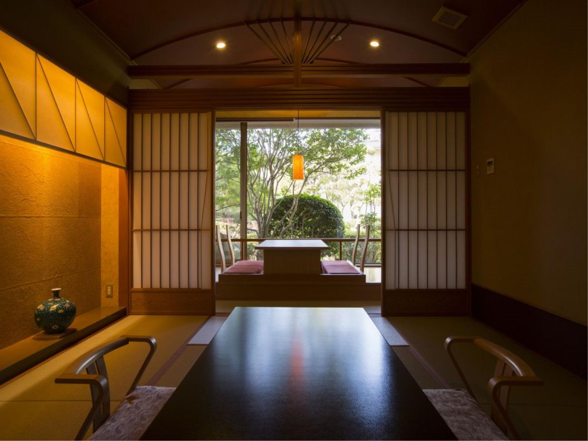 和洋式房 (Special Japanese/Western-style Room with Open-air Bath (2 Beds, Private Villa Biyu))