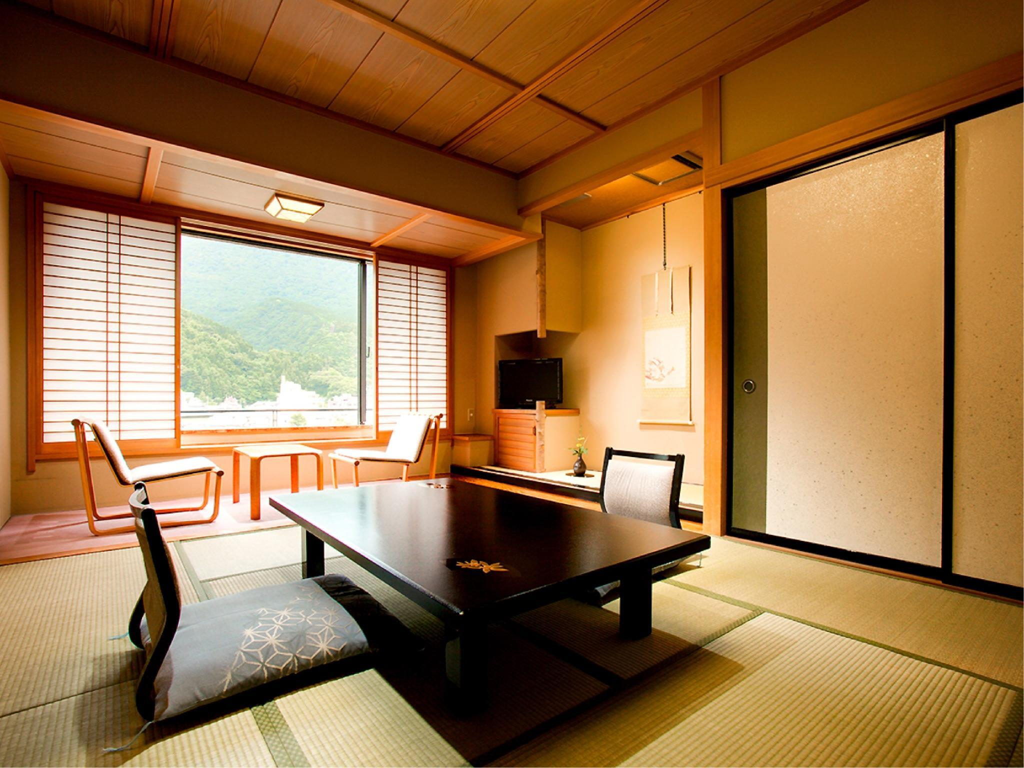 Standard Japanese-style Room (South Wing)