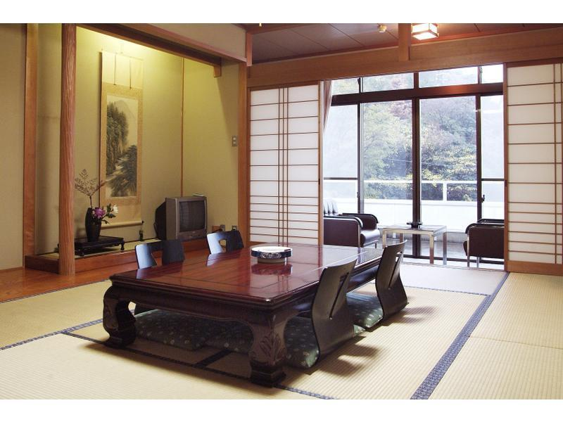 和式房(無廁所浴室) (Japanese-style Room*No bath or toilet in room)