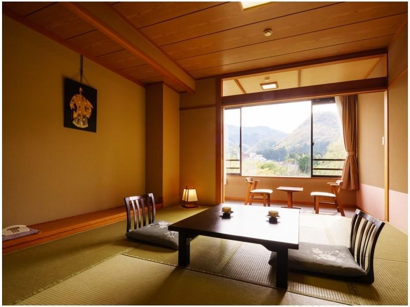 和式房 (Japanese-style Room (Komorebi-no-Yakata Wing))