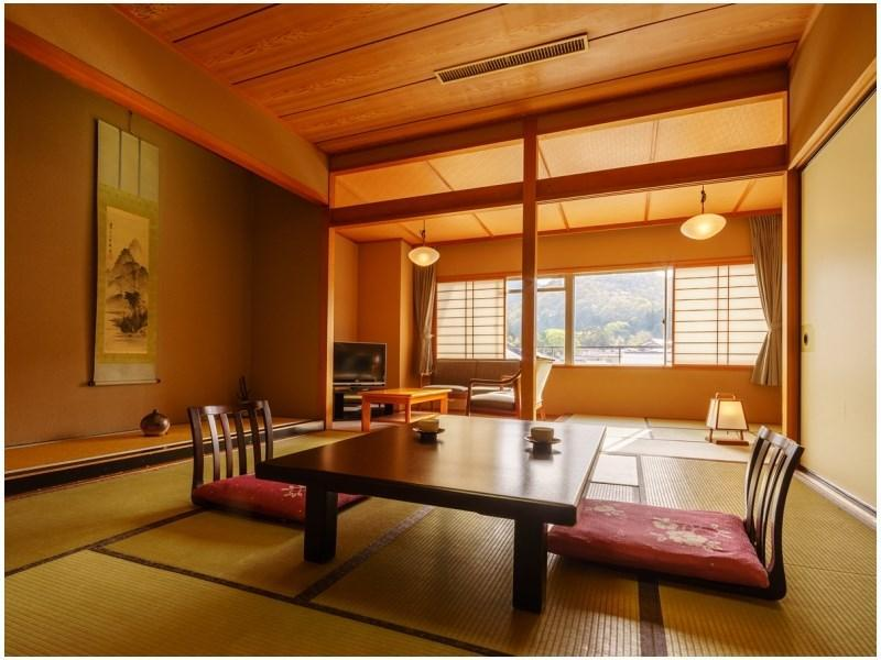 和式房 (Japanese-style Room (Asagiri-no-Yakata Wing))