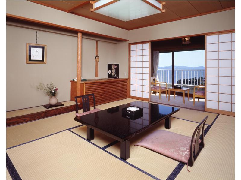 西館和室|10畳+踏込 (West Wing Japanese Style Room)
