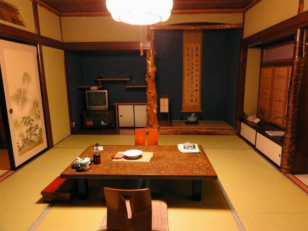 Japanese Style Room Main Building - Guestroom Ryounkaku
