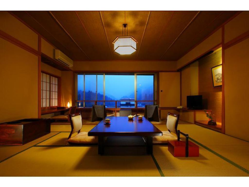 Special Japanese-style Room with Cypress Bath (Premium Mokuyo Wing) - Guestroom