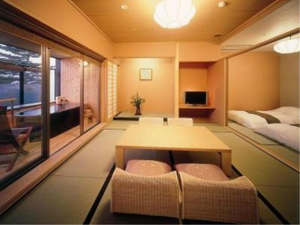 Japanese-style Room with Open-air Bath (2 Beds, Honkyakuden Wing) - Guestroom Hotel Sakurai
