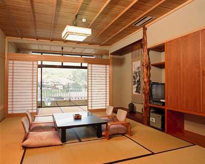 和室・露付 (Japanese-style Room with Open-air Bath (Hinokikan Wing))