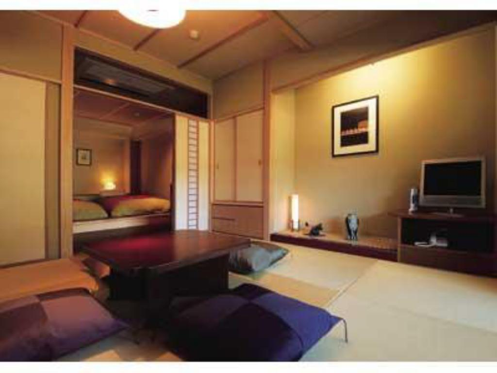 Japanese/Western-style Room with Semi Open-air Bath (New Building) - Guestroom
