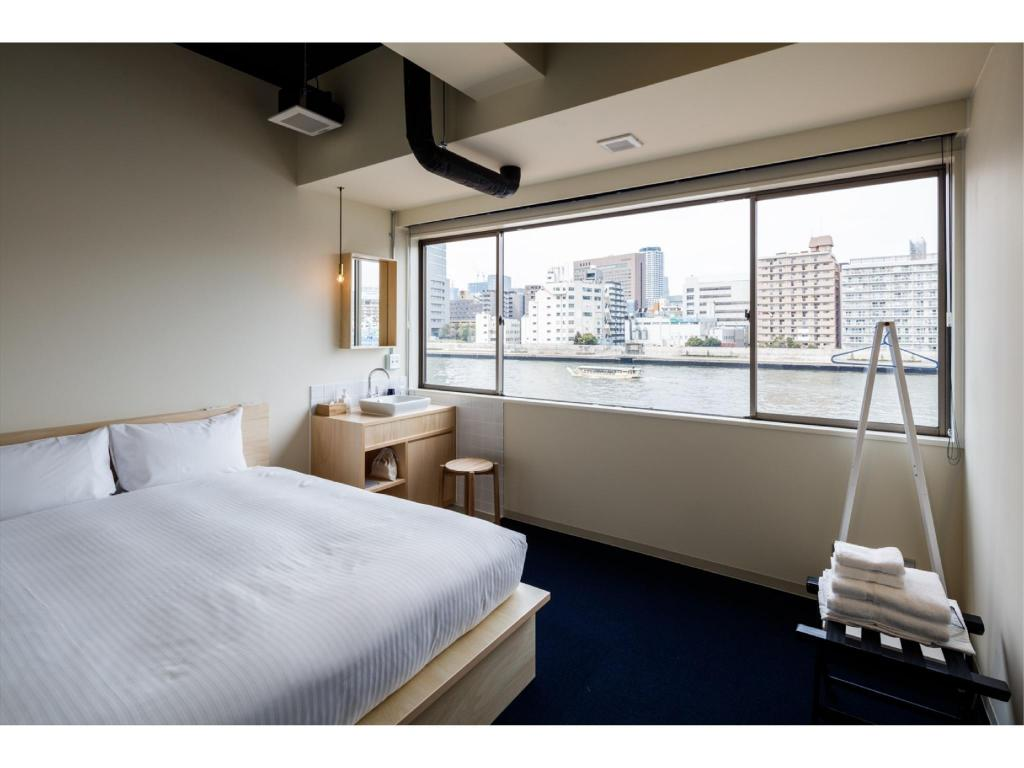 Compact Double Room *No shower or toilet in room - 客房 THE SHARE HOTELS LYURO 東京清澄 (The Share Hotels Lyuro Tokyo Kiyosumi)